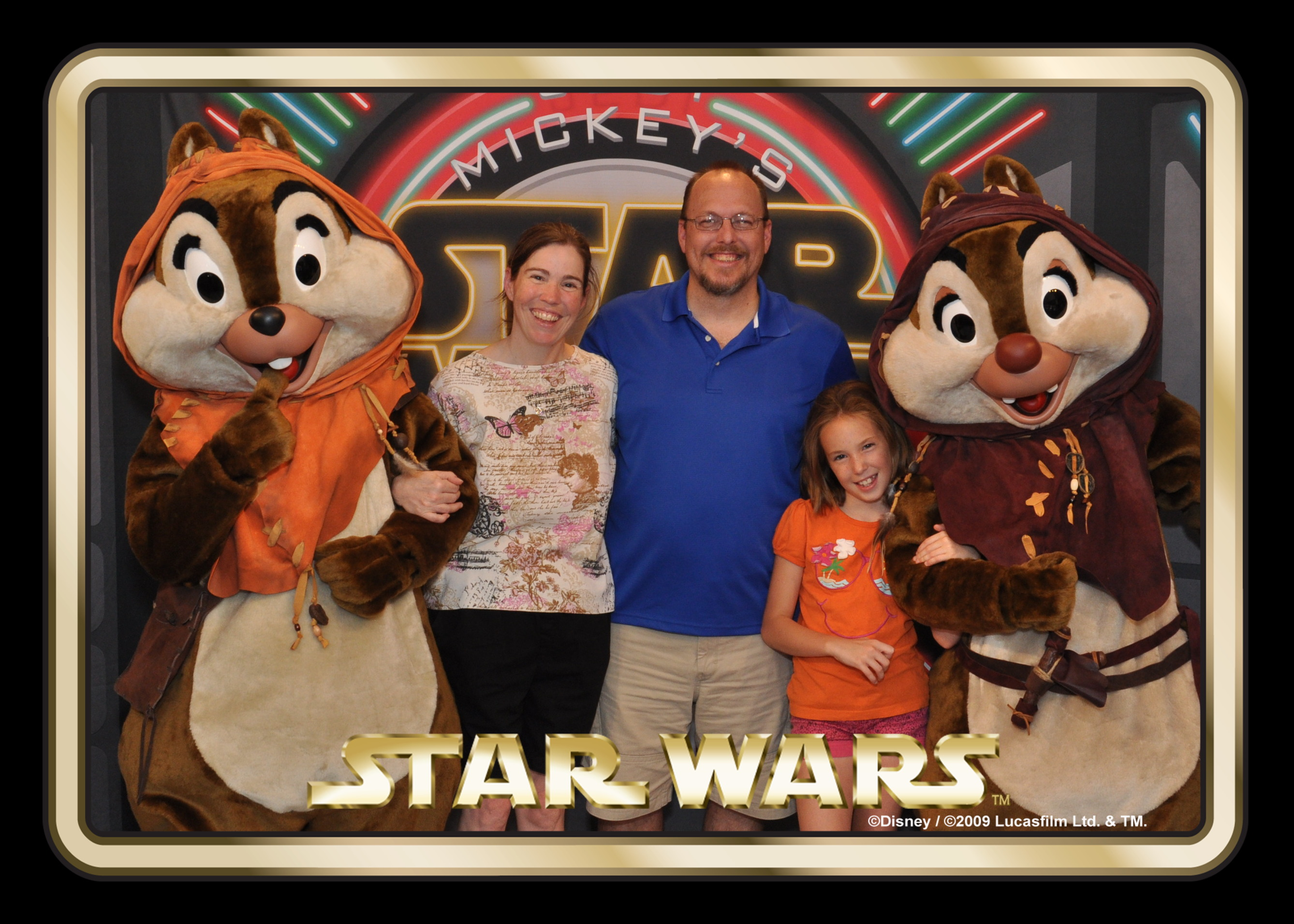 Chip and Dale at Jedi Mickey's Star Wars Dine